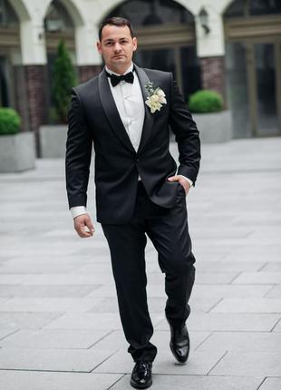 Смокинг ,чоловiчий костюм, мужской свадебный костюм
