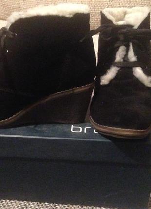 Замшевые удобные ботиночки на танкетке