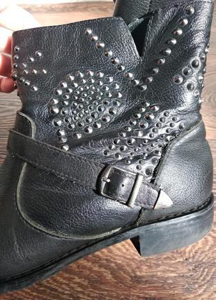 Кожаные ботинки bershka