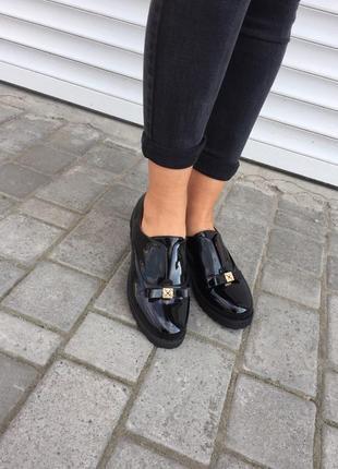 Туфли женские mengting 912-12 черные (весна-осень эко-лак )
