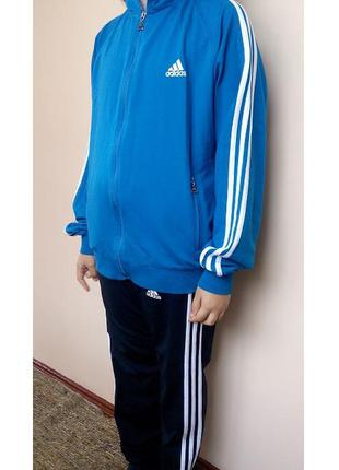 Спортивный костюм  оригинал adidas (не ношеный) р.м (40) унисекс