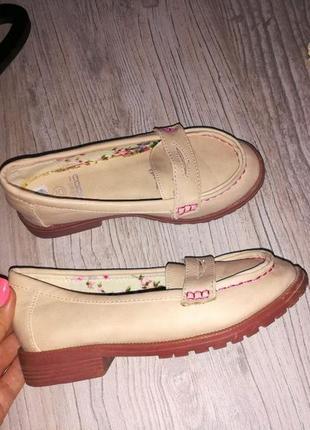Туфли туфельки для девочки 28 размер