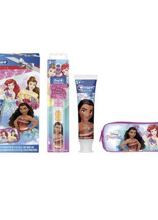 Подарунковий набір для чищення зубів від crest та oral-в ⠀