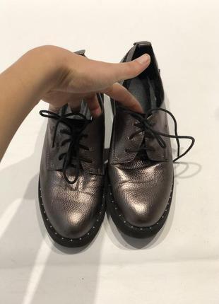 Туфлі на шнурівках
