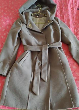 Пальто 46 размер в идеальном состоянии