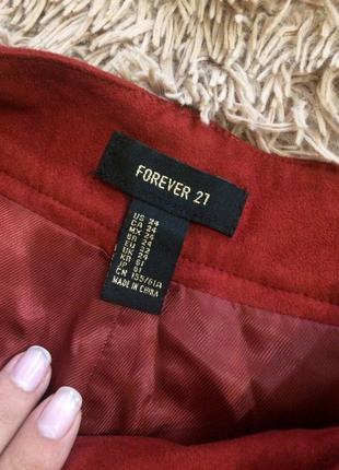 Крутые бархотные шорты от forever21 красно-бордового оттенка на худенькую девушку