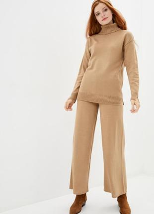 Вязаный костюм гольф+брюк-палаццо кемел