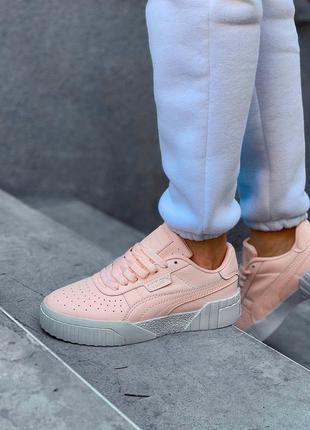Женские кроссовки cali