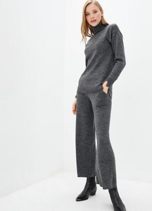 Вязаный костюм гольф+брюки-палаццо серый