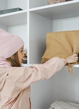 Вязанная шапка в рубчик 52-56 см