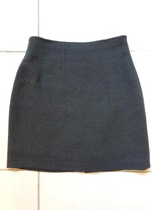 Серая классическая юбка