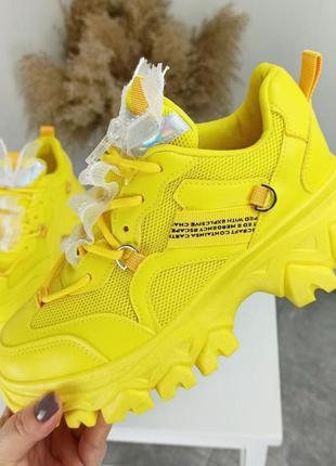Кроссовки женские желтые