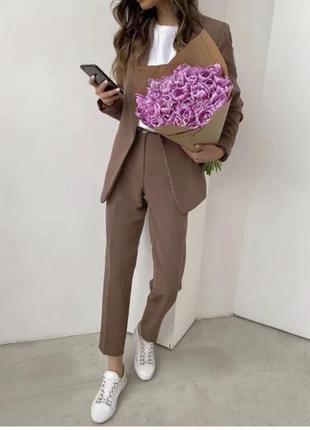 Стильный женский классический деловой костюм
