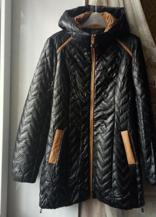 Стеганное пальто. удлиненная куртка. демисезонное пальто курточка