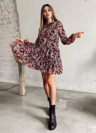 Летнее летящее платье короткое в цветочек шифон