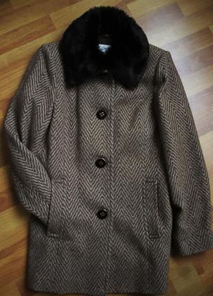 Коричневе осіннє пальто напівпальто marks &spencer