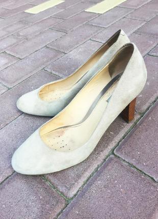Удобные замшевые туфли-лодочки