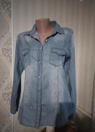 Тонкая джинсовая рубашка
