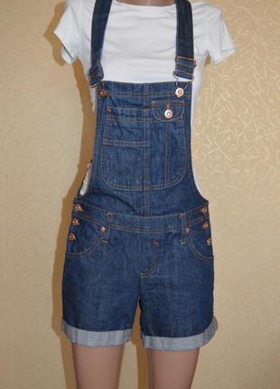 Джинсовый комбинезон ,шорты, джинсы