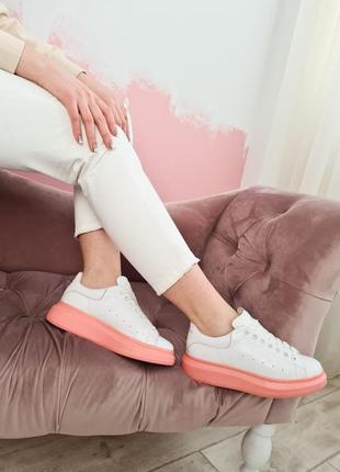 Женские кроссовки alexander mcqueen white/pink
