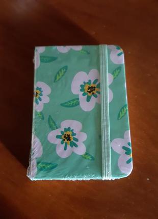 Блокнот записная книжка 96 листов 10.5×7.5см с закладкой