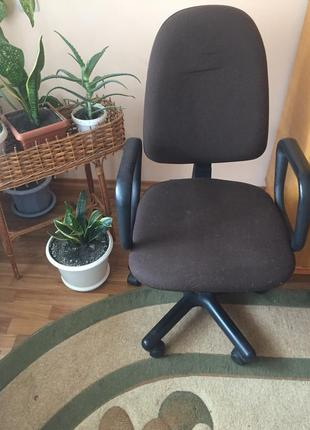 Крісло комп'ютерне