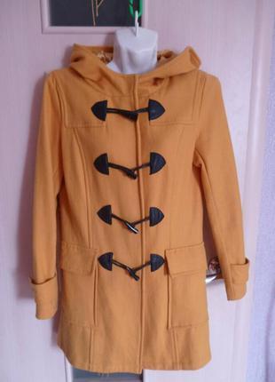 Пальто с капюшоном р.8