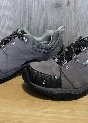 Кроссовки треккинговые кожаные непромокаемые ahnu, vibram
