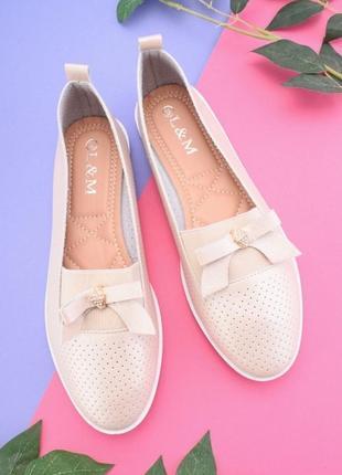 Туфли женские ,два цвета.