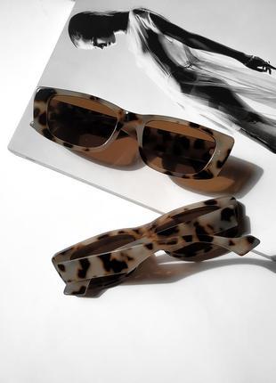 Солнцезащитные очки в прямоугольной оправе uv400
