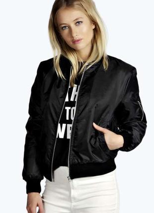 Черный сатиновый утепленный спортивный бомбер-куртка на синтепоне atmosphere