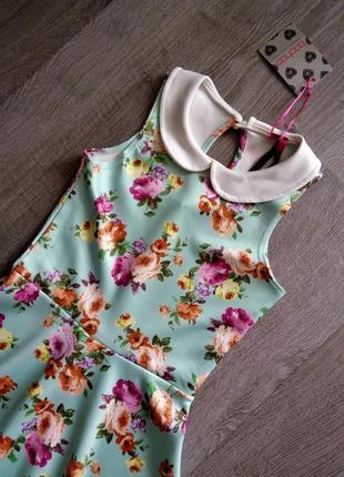 Новое 👗платье с цветочным принтом и белым воротником4 фото