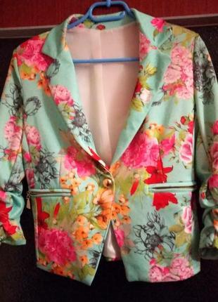 Яркий трендовый итальянский пиджак