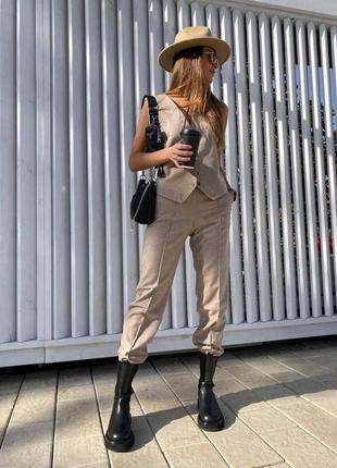 Женский шерстяной костюм