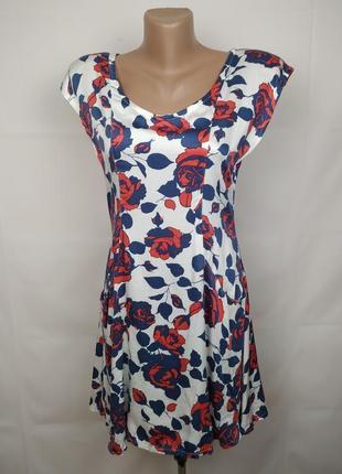 Платье новое стильное в розы вискоза m