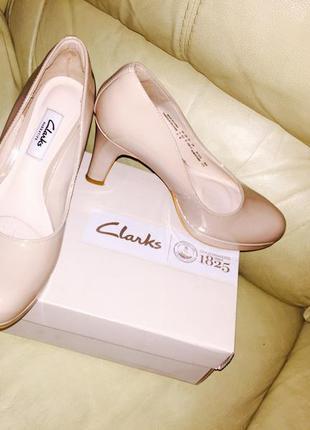 Туфли на каблуке,кожа, беж