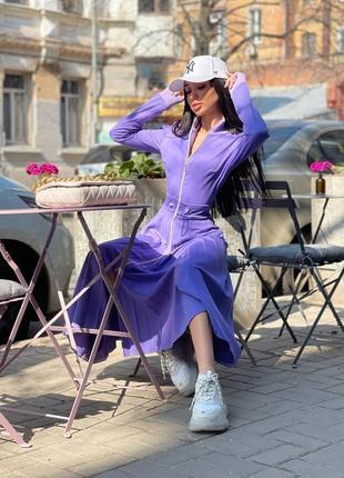 Роскошное фиолетовое платье миди с юбкой плиссе