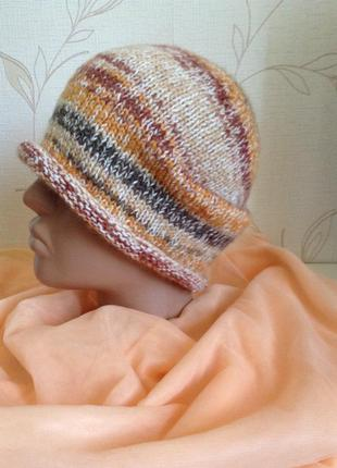 Зимняя вязаная шапочка