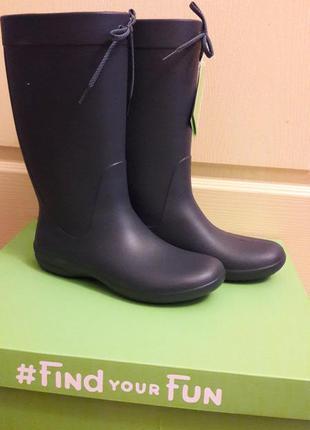 Резиновые сапоги крокс crocs. размер 9 наш 39-40 . стелька 26см. оригинал, коробка