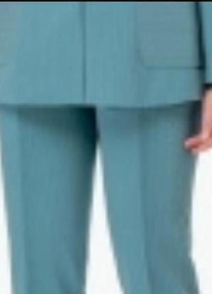 Костюм двойка пыльно бирюзового. цвета с коротким рукавом
