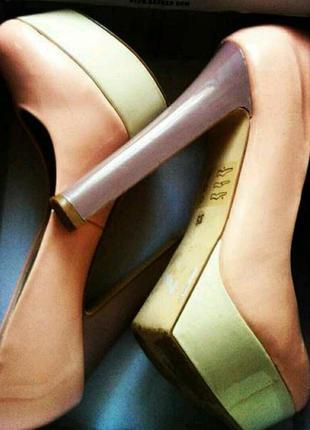 Шикарные лакированные туфли