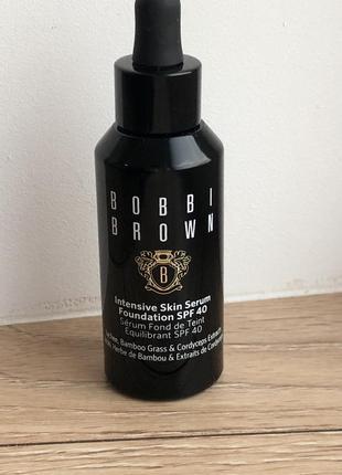 Ухаживающие тональное средство bobbi brown intensive skin serum foundation