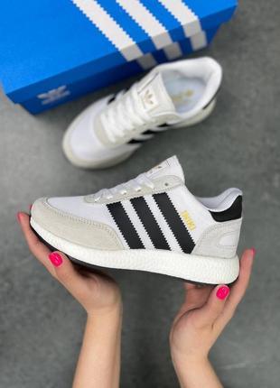 Замшевые кроссовки с резиновым протектором