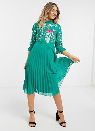 Шик! платье с вышивкой магазина asos премиум класса! вышивка+плиссе!