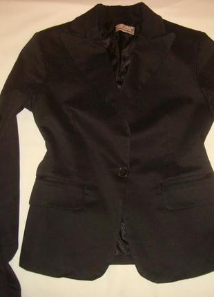 Итальянский стильный пиджак 42 размера