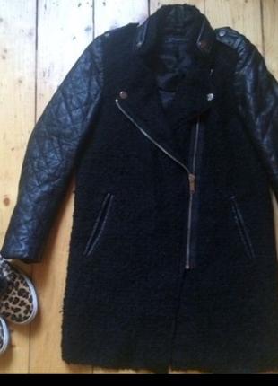 Шерстяное пальто с кожаними рукавами