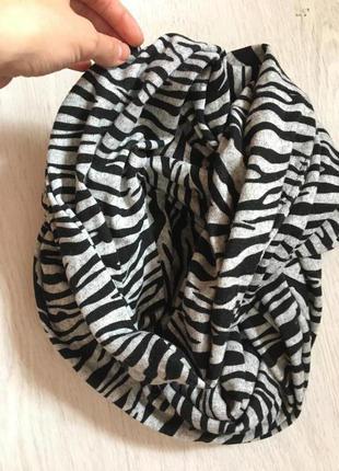 Стильный теплый шарфик хомут