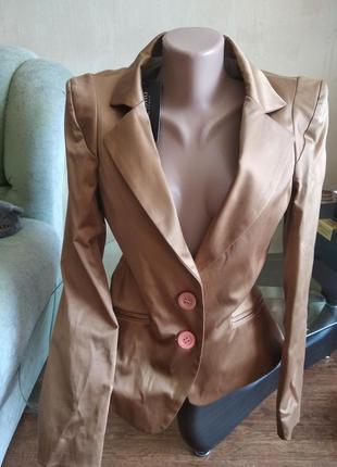 Пиджак жакет блейзер rinascimento италия с поднятыми плечами
