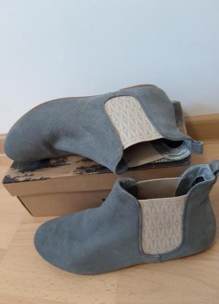 Брендовые замшевые серые ботинки ,полуботинки, челси. ippon vintage, франция.