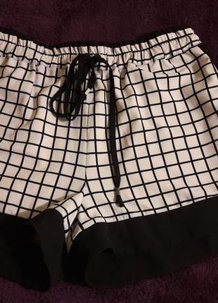 Стильные дорогие шорты от kira plastinina s-m